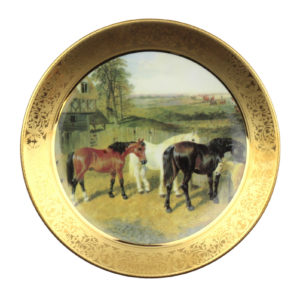 Декоративная тарелка «Лошади» - Фото