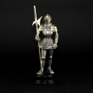 Статуэтка «Рыцарь с копьем» - Фото