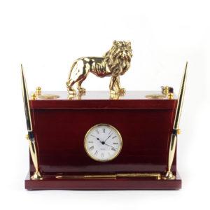 Сейф кабинетный с часами «Лев» - Фото