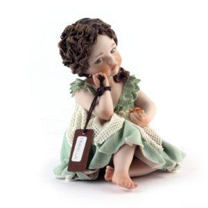Статуэтка «Девочка в салатовом платье» Novella - Фото