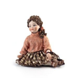 Статуэтка «Девочка в свитере» Clelia - Фото